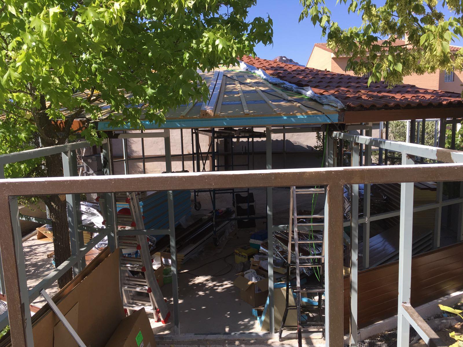 Tejas Roofy Instalaci N Usos Y Ventajas De Las Tejas Pl Sticas ~ Claraboyas Para Techos Leroy Merlin